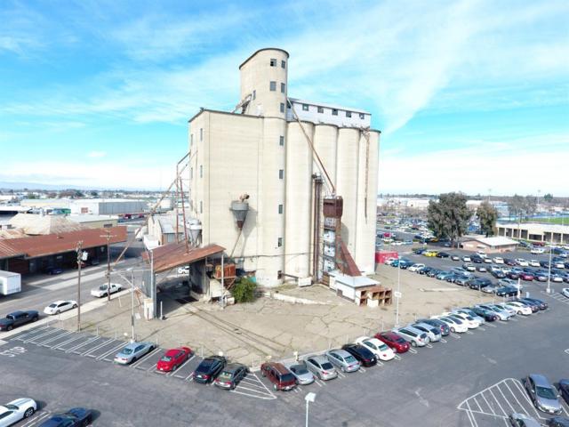 320 Madonia Avenue, Modesto, CA 95350 (MLS #18016404) :: Keller Williams - Rachel Adams Group