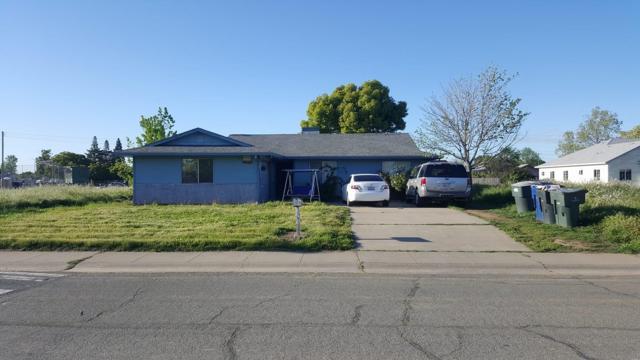 2501 48th Avenue, Sacramento, CA 95822 (MLS #18024744) :: The Yost & Noble Real Estate Team