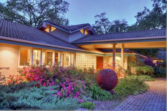 8915 Oak Avenue, Orangevale, CA 95662 (MLS #18024903) :: Ben Kinney Real Estate Team
