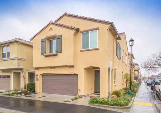 2068 Camino Real Way, Roseville, CA 95747 (MLS #18024983) :: Keller Williams Realty