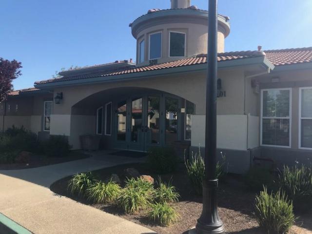 5201 Laguna Oaks Dr #87, Elk Grove, CA 95758 (MLS #18025272) :: Gabriel Witkin Real Estate Group