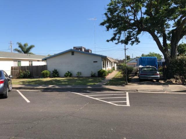 3112 Topeka Street, Riverbank, CA 95367 (MLS #18031146) :: Heidi Phong Real Estate Team