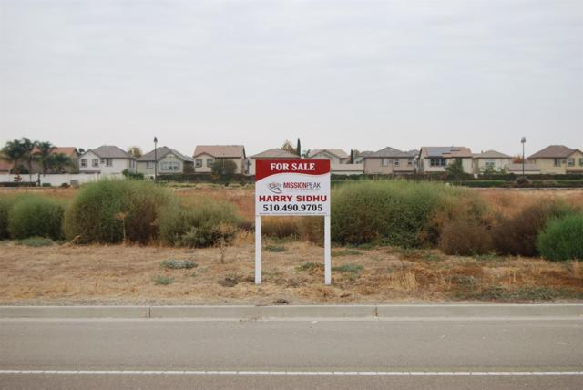 17401 S Manthey Road, Lathrop, CA 95330 (MLS #18032374) :: The Merlino Home Team