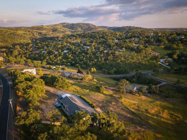3218 Barde Road, Valley Springs, CA 95252 (MLS #18038190) :: Team Ostrode Properties