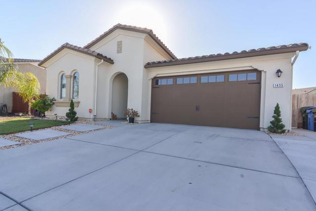 1455 Rock Springs Avenue, Manteca, CA 95337 (MLS #18041193) :: The Del Real Group