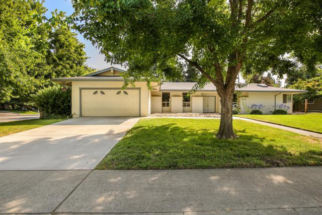 140 Mering Court, Sacramento, CA 95864 (MLS #18049732) :: The Del Real Group