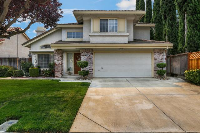 948 Williams Street, Tracy, CA 95376 (MLS #18056101) :: The Del Real Group