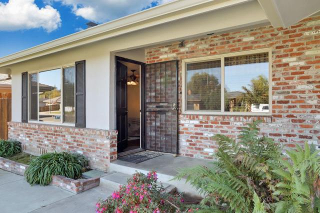 2114 W Pine Street, Lodi, CA 95242 (#18072066) :: The Lucas Group