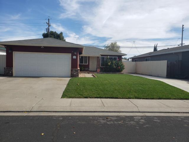 818 Ralph Avenue, Manteca, CA 95336 (MLS #18075399) :: Keller Williams Realty - Joanie Cowan
