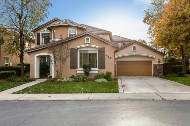 922 Apero Place, El Dorado Hills, CA 95762 (MLS #18080394) :: The MacDonald Group at PMZ Real Estate
