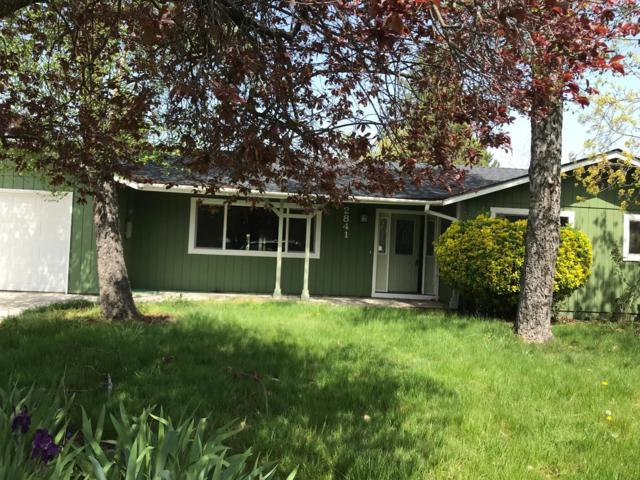 2841 Alameda St, Medford, CA 97504 (MLS #18081097) :: REMAX Executive