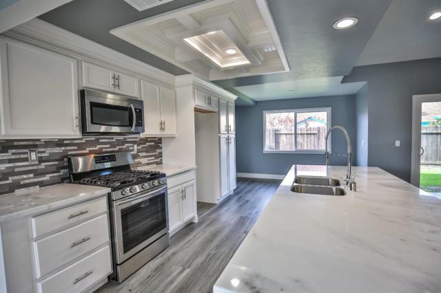 5945 Sawyer Circle, Sacramento, CA 95823 (MLS #19003782) :: eXp Realty - Tom Daves