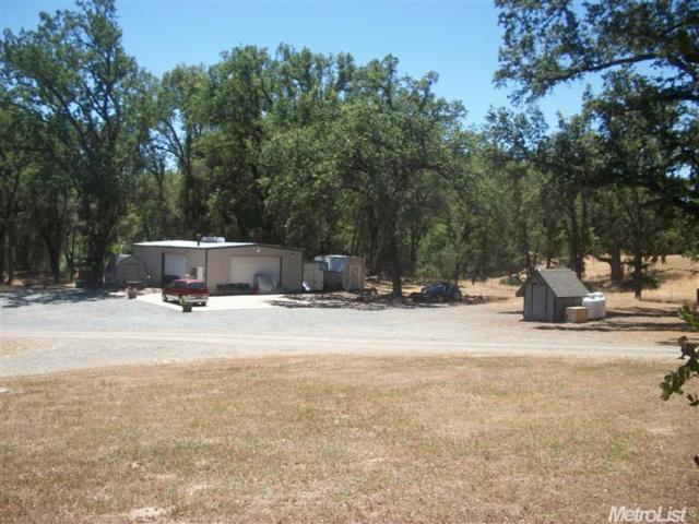 2901 Cedar Creek Road, Fiddletown, CA 95629 (MLS #19008303) :: The Del Real Group