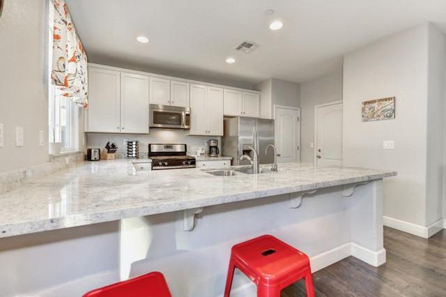 6306 Brando Loop, Fair Oaks, CA 95628 (MLS #19009002) :: The Merlino Home Team