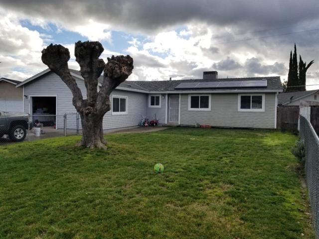 700 Lorna Court, Oakdale, CA 95361 (MLS #19009778) :: The Del Real Group