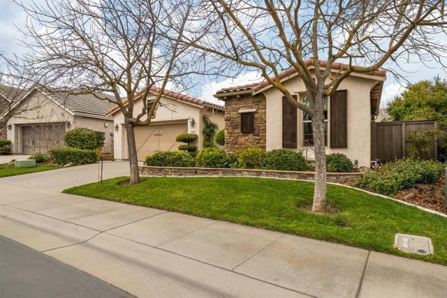 5945 Country Manor Place, Sacramento, CA 95835 (MLS #19013429) :: The Del Real Group