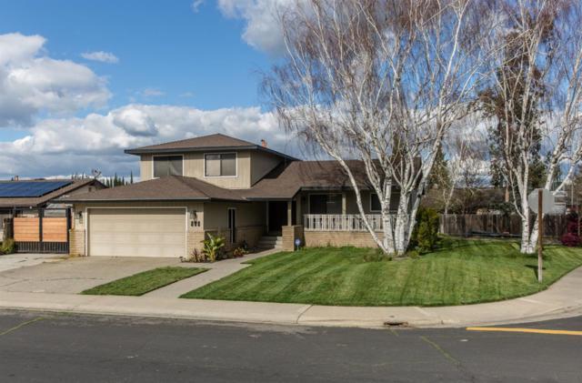 808 Placer Avenue, Manteca, CA 95336 (MLS #19015745) :: Heidi Phong Real Estate Team