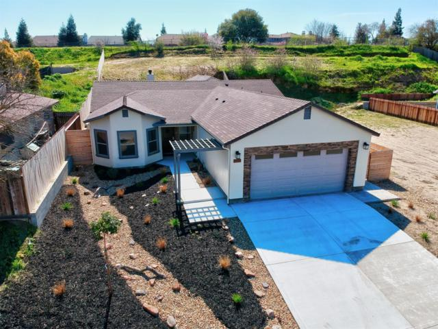 1541 W J Street, Oakdale, CA 95361 (MLS #19015964) :: Keller Williams - Rachel Adams Group