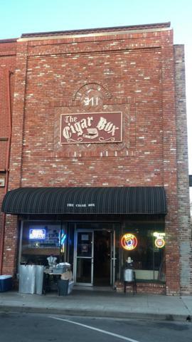 311 D Street, Marysville, CA 95901 (MLS #19023855) :: The MacDonald Group at PMZ Real Estate
