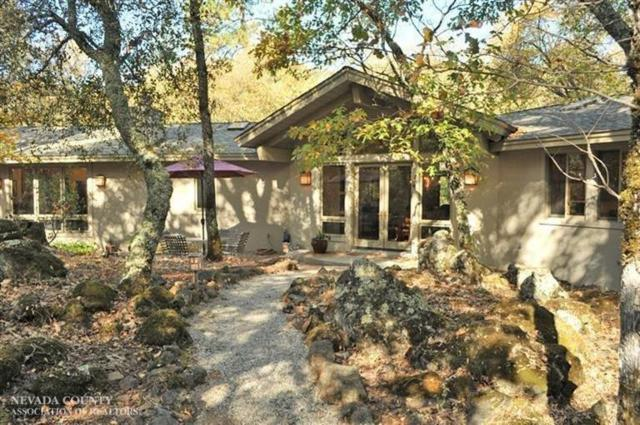 18089 Wolf Creek Road, Grass Valley, CA 94949 (MLS #19051598) :: Dominic Brandon and Team