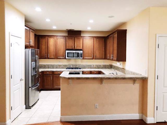 3301 N Park Drive #216, Sacramento, CA 95835 (MLS #19065582) :: REMAX Executive