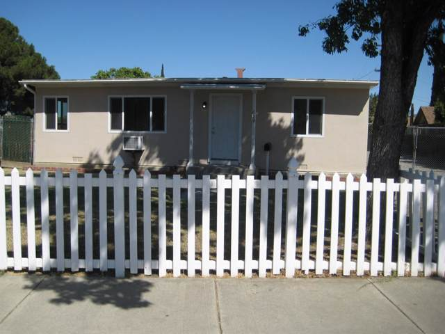 620 Pine Street, Los Banos, CA 93635 (MLS #19066041) :: The MacDonald Group at PMZ Real Estate