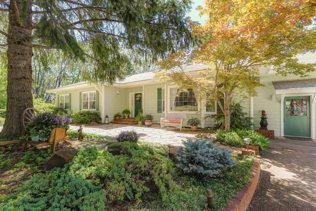 13530 Eowana Lane, Grass Valley, CA 95945 (MLS #20007516) :: The Merlino Home Team