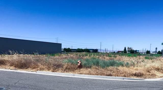 1112 Premier Drive, Ceres, CA 95307 (MLS #20032789) :: The MacDonald Group at PMZ Real Estate