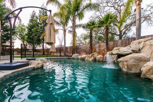 10940 St Moritz Circle, Stockton, CA 95209 (MLS #20049040) :: The Merlino Home Team