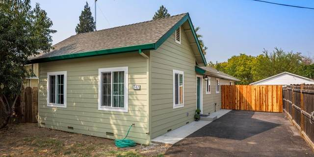 742 6th Street, Woodland, CA 95695 (MLS #20055732) :: Keller Williams - The Rachel Adams Lee Group