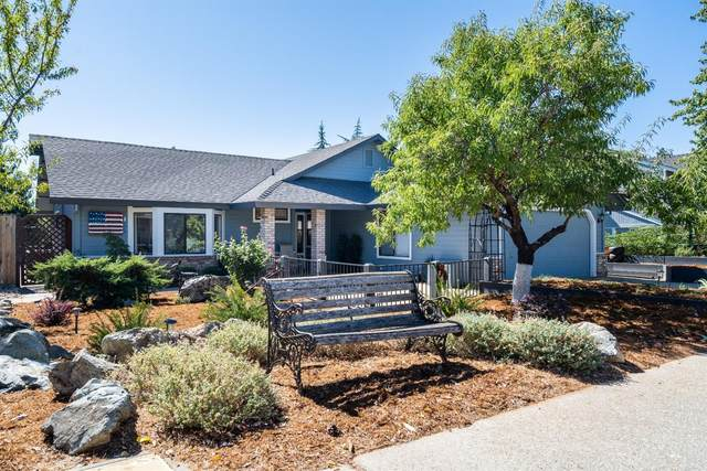 125 Castlemont Drive, Grass Valley, CA 95945 (MLS #20056757) :: The Merlino Home Team