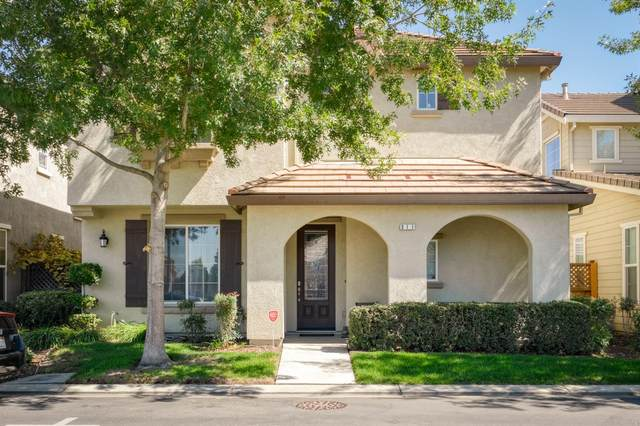 311 Carriage Lane, Oakdale, CA 95361 (MLS #20058092) :: The MacDonald Group at PMZ Real Estate