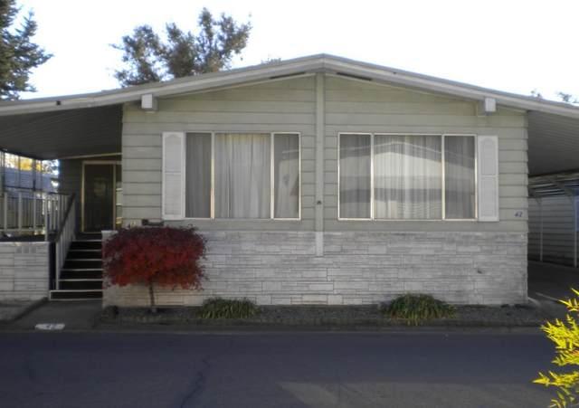 42 Rio Vista, Lodi, CA 95240 (MLS #20070853) :: 3 Step Realty Group