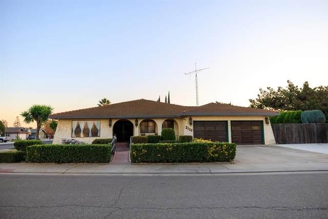 2135 Edmart Street, Escalon, CA 95320 (MLS #20071203) :: Heidi Phong Real Estate Team
