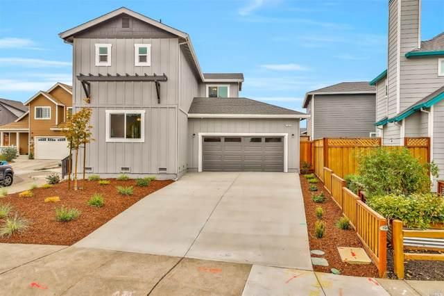 1351 Holly Park Way, Santa Rosa, CA 95403 (MLS #22032109) :: Keller Williams - The Rachel Adams Lee Group