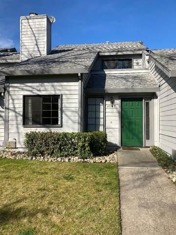 4949 S Country View Lane, Fair Oaks, CA 95628 (#221006209) :: The Lucas Group