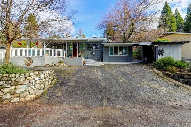 120 Wood Street, Grass Valley, CA 95945 (MLS #221007059) :: The Merlino Home Team