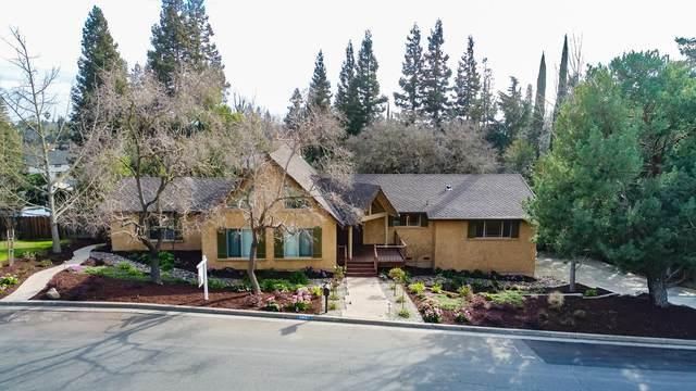 11405 Valley Oak Drive, Oakdale, CA 95361 (MLS #221009362) :: The Merlino Home Team