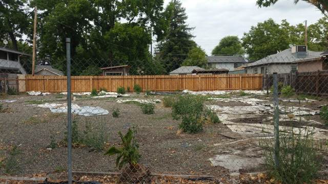 3241 W Street, Sacramento, CA 95817 (MLS #221009507) :: CARLILE Realty & Lending