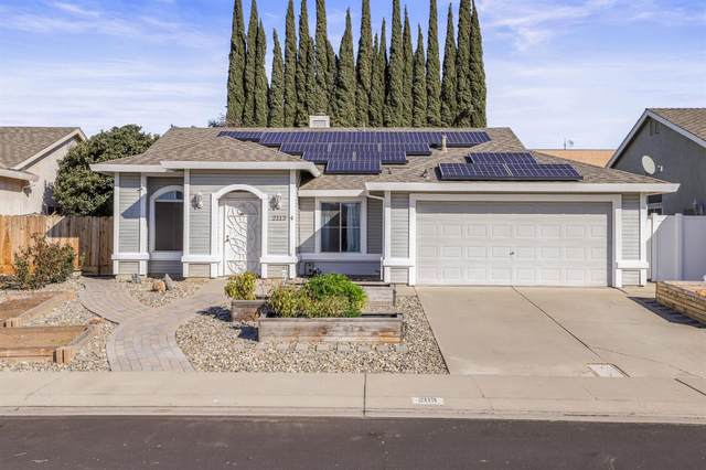 2113 Goldstone Way, Riverbank, CA 95367 (#221009574) :: The Lucas Group