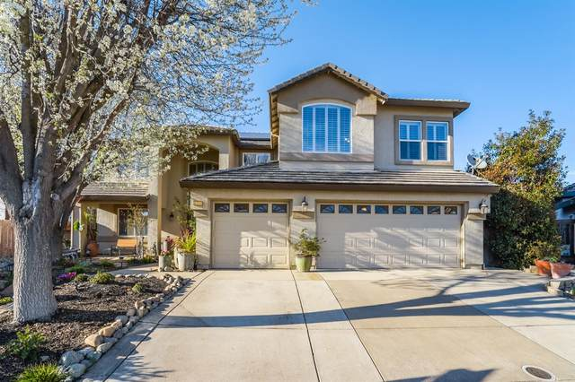 9520 Dusty Trails Place, Elk Grove, CA 95624 (#221011970) :: Jimmy Castro Real Estate Group