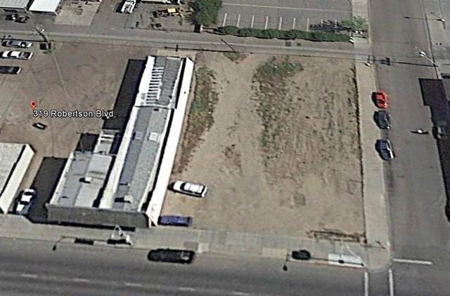347 Robertson Boulevard, Chowchilla, CA 93610 (MLS #221012553) :: Live Play Real Estate | Sacramento