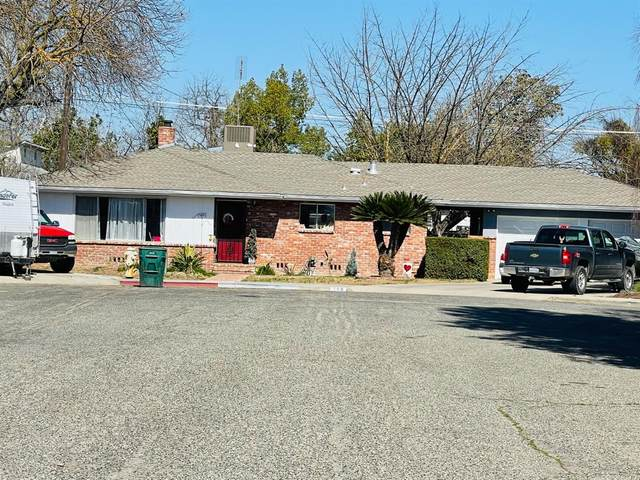 108 Flora, Reedley, CA 93654 (#221012646) :: Jimmy Castro Real Estate Group