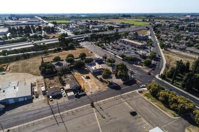 117 S Tully Road, Turlock, CA 95380 (MLS #221012674) :: eXp Realty of California Inc