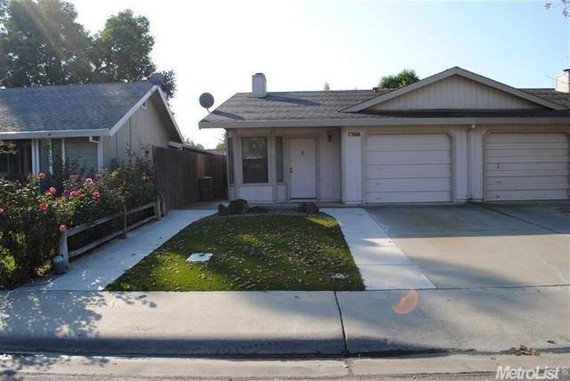 1366 Nyack Place, Woodland, CA 95776 (MLS #221013381) :: Keller Williams - The Rachel Adams Lee Group