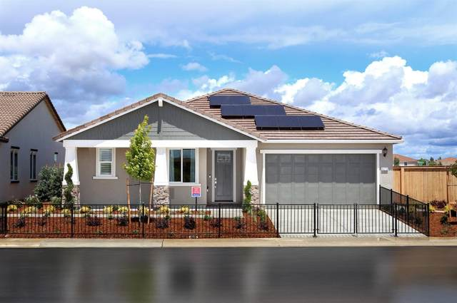 9273 Wayne Heintz Street, Elk Grove, CA 95624 (MLS #221026627) :: eXp Realty of California Inc
