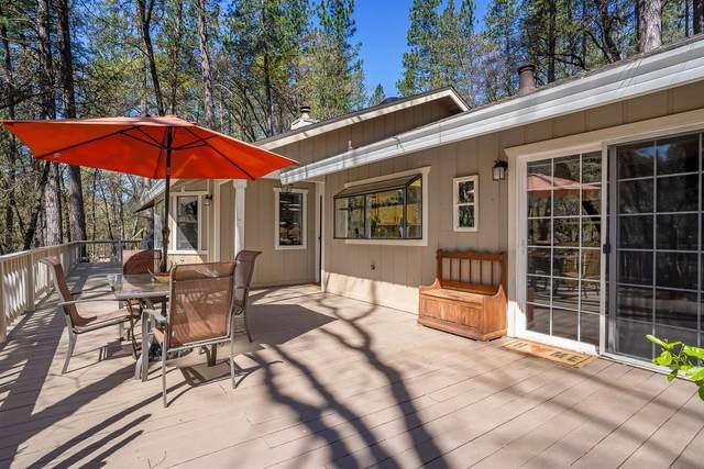 10976 Laurrine Way, Grass Valley, CA 95949 (MLS #221030359) :: eXp Realty of California Inc