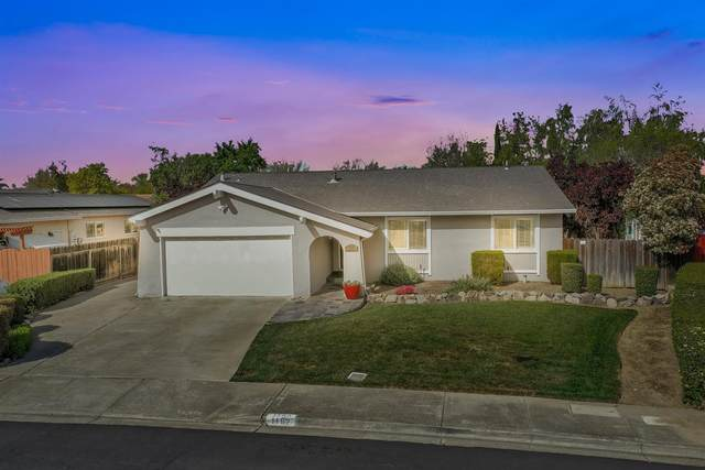 1192 Crystal Circle, Livermore, CA 94550 (MLS #221034007) :: eXp Realty of California Inc
