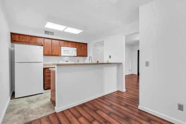 101 Del Verde Circle #2, Sacramento, CA 95833 (MLS #221036537) :: Heidi Phong Real Estate Team