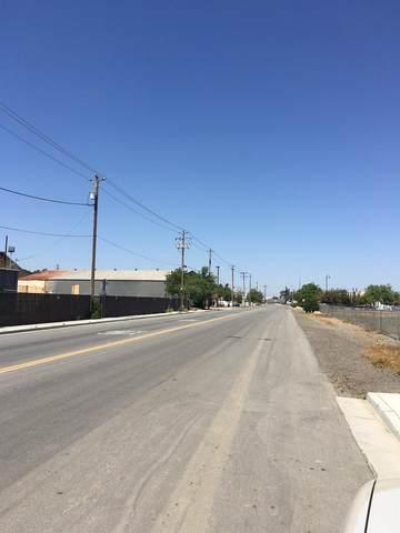 1559 Place Road, Los Banos, CA 93635 (MLS #221036686) :: Keller Williams - The Rachel Adams Lee Group